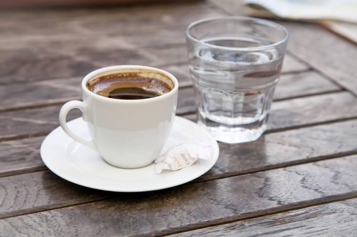 apa si cafea