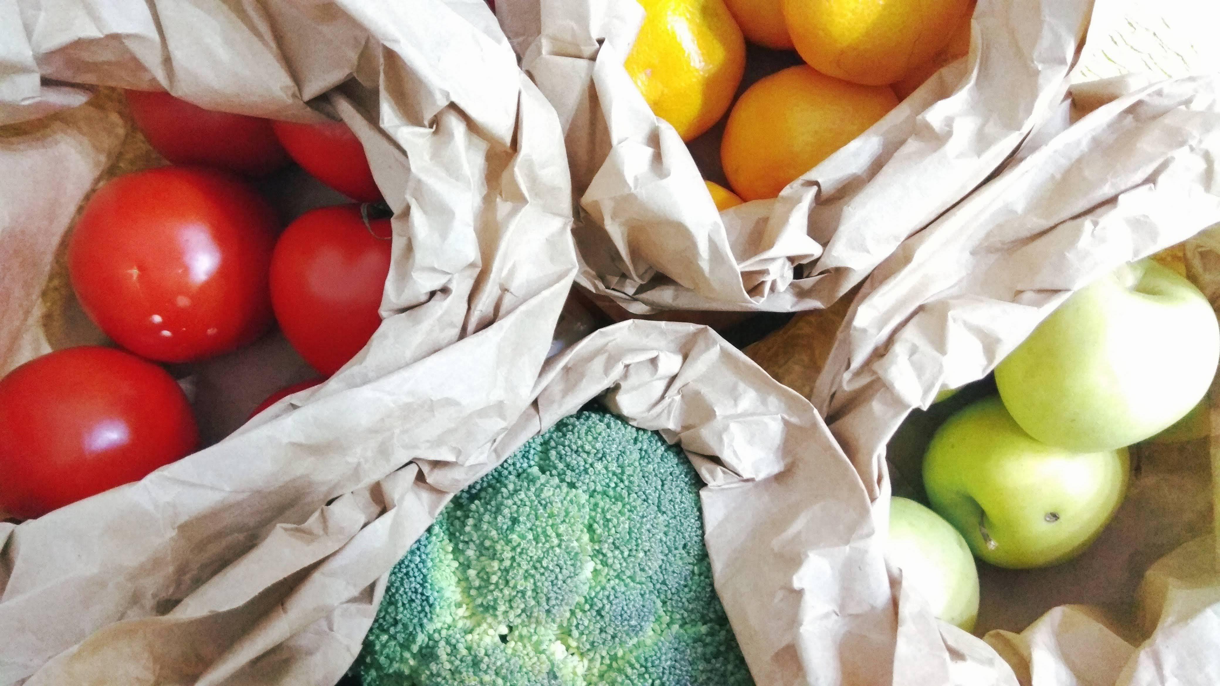 Cioc, cioc, deschideți? Fructe și legume proaspete, la tine la ușă!