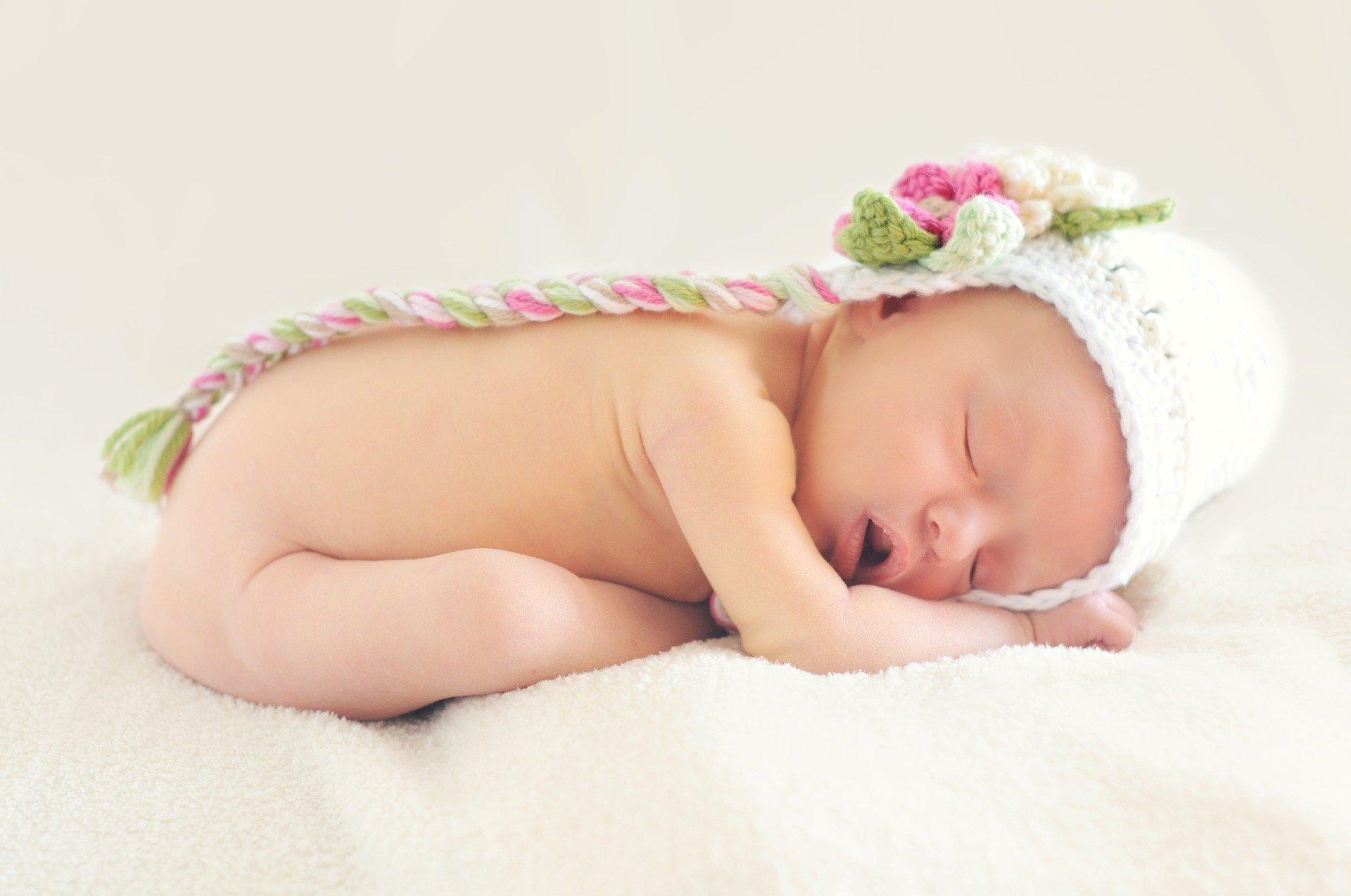 Ghidul cumpărăturilor esențiale pentru nou-născuți