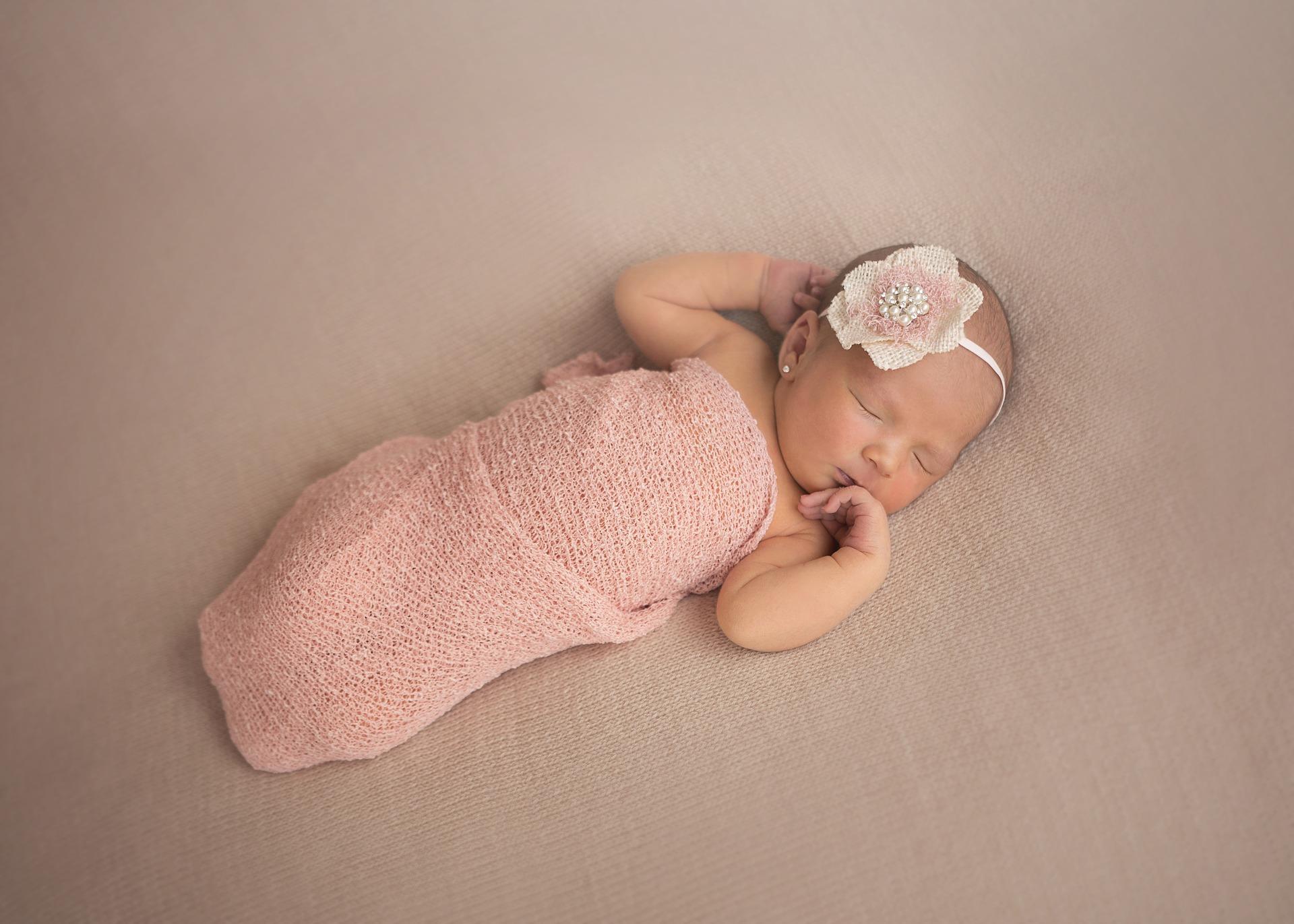 Despre somnul bebelușului în primele luni de viață